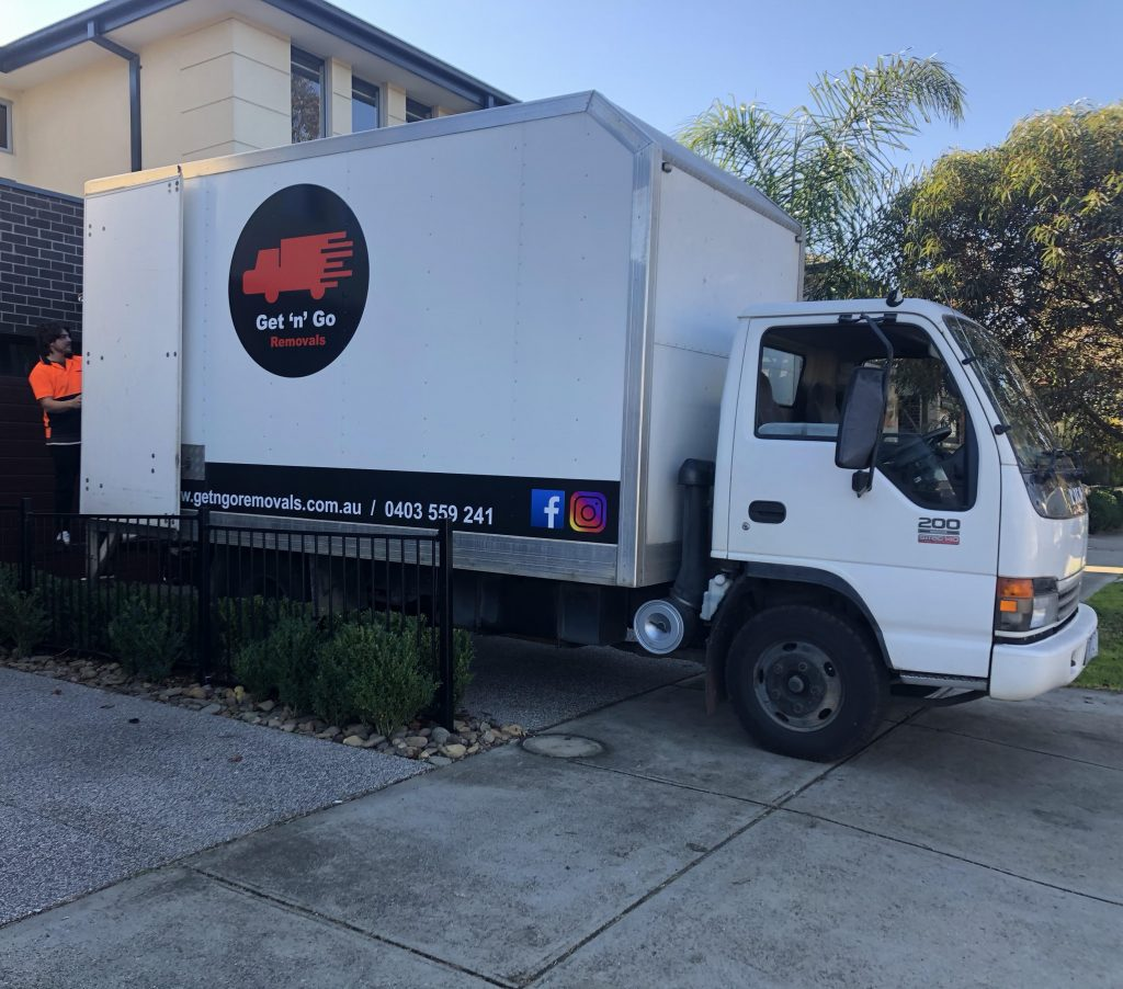 furniture removalists in Pascoe Vale